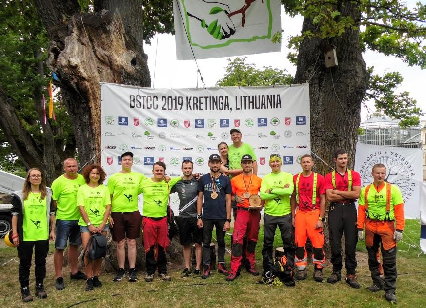 Organizatoriai-Lietuvos-arbiristų-asociacijos-atstovai-ir-padėjėjai.