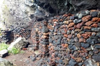 La Palma Karalių Mergelės urvai-koplytėlės