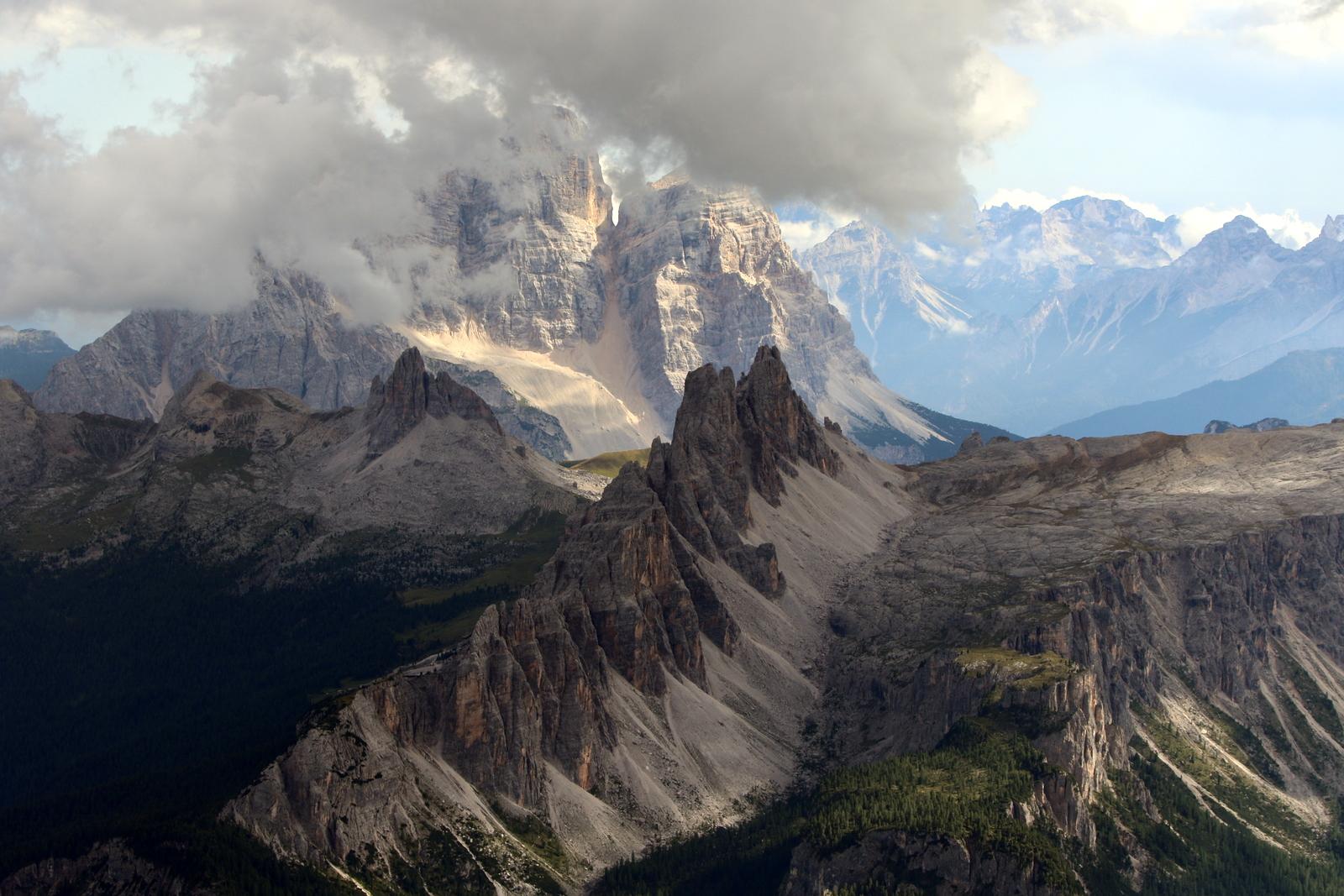 Skirbutienė L. Kalnų grandinė