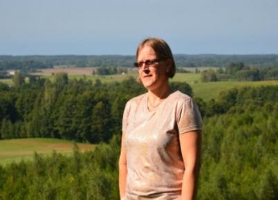 Valstybinių miškų urėdijos valdybos vardu pirmininkė Ina Bikuvienė  sveikina mielus kolegas