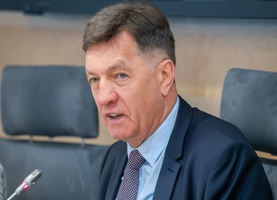 Seimo narys Algirdas Butkevičius linki daugiau stabilumo